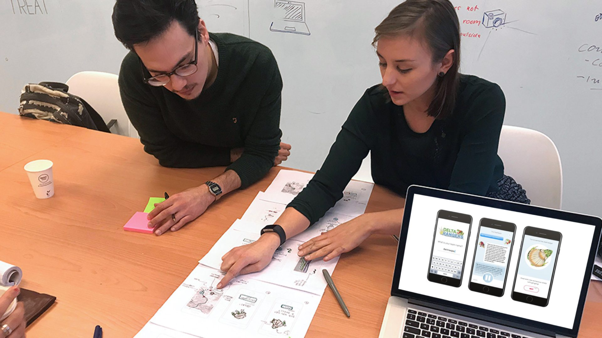 At the Master, there's opportunity to discuss projects with experts from the agencies. Discussing our first wireframes with Jesse Timmermans, interaction designer at Fabrique. (Photo: Jouke Zult)
